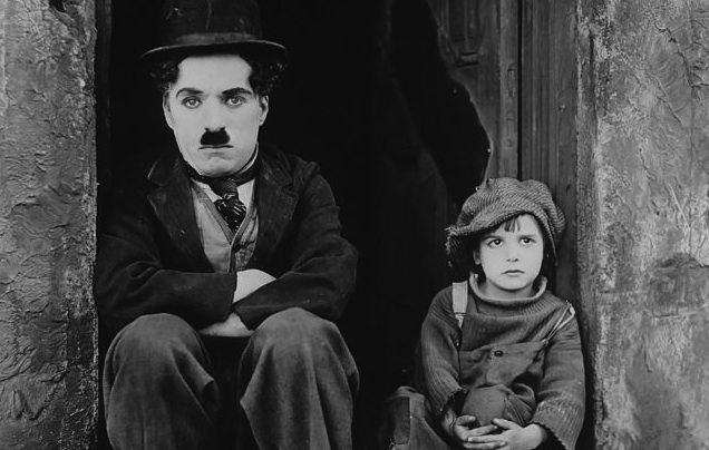 Charles Chaplin and Jackie Coogan - 10 Frase Sobre Aprender de Nuestros Errores